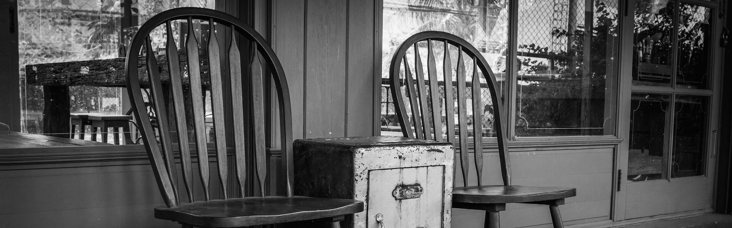 06-chaises-objets-decors-artistiques-detoutpourtout-terrebonne